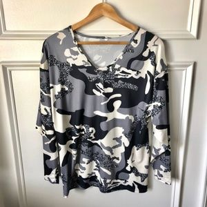 Tops - Beautiful Camo Printed Grey Top - NEW!